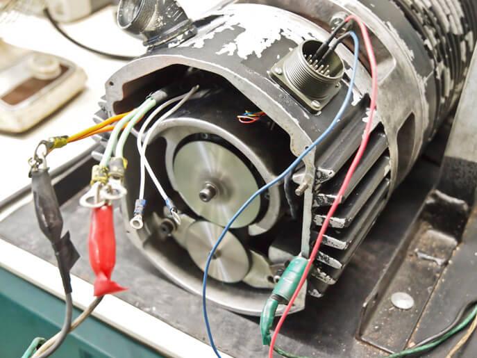 Servomotorer kontroleres