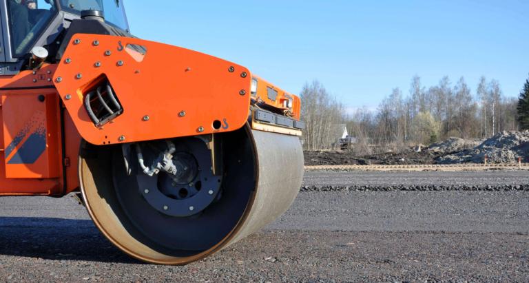 landbrugs-entreprenoer-maskiner-vejkonstruktion